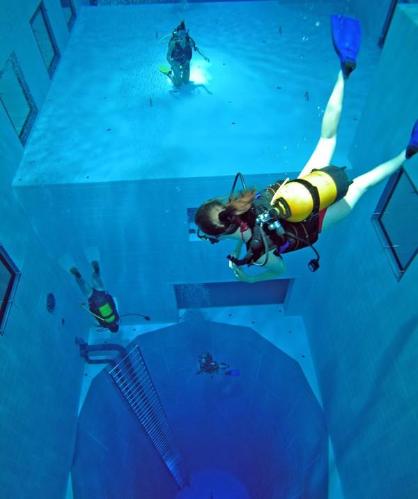 Der weltweit tiefste Swimming Pool für Sporttaucher in Belgien